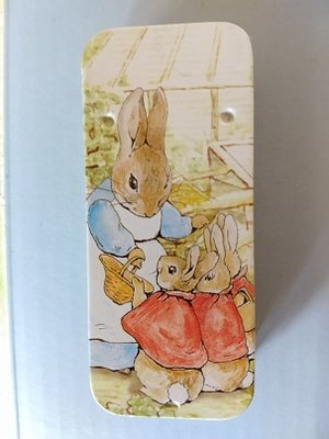 Peter Rabbit mini-blikje Mrs.Rabbit and family