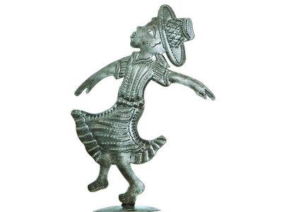Haïti danseres met hoed